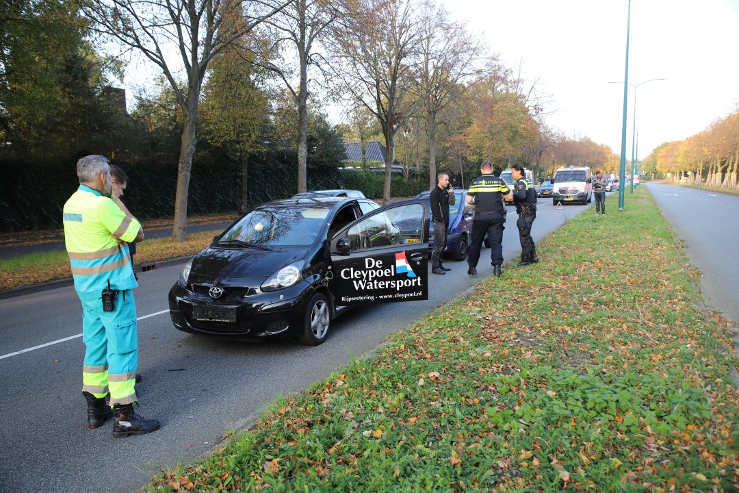 Kopstaart-botsing met drie auto's in Oegstgeest - Sleutelstad
