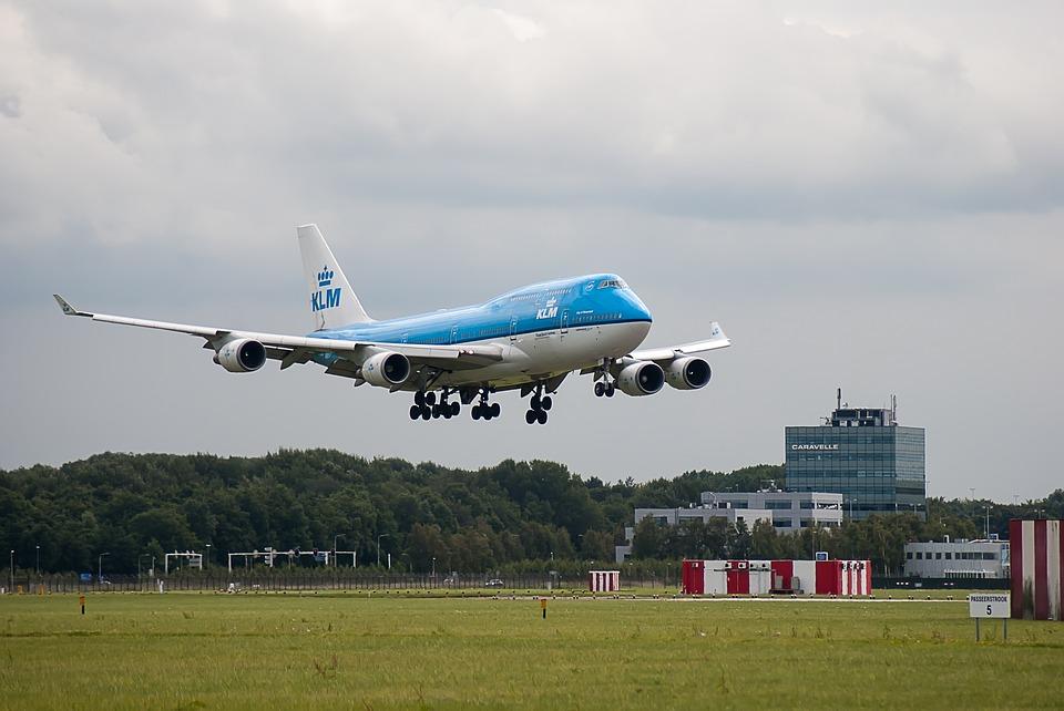 'Oegstgeest zonder Vlieghinder' onderzoekt geluidsschade Schiphol - Sleutelstad